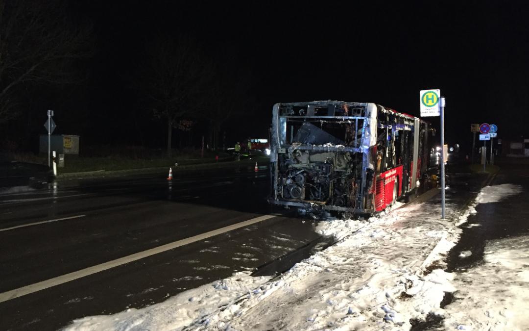 Einsatz 02/2016, brennt Bus, Roetgen, B258